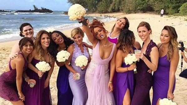 WOTS_Rihanna-als-bruidsmeisje-1