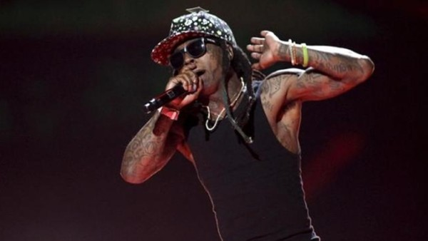 Rapper Lil Wayne performs during the 2015 iHeartRadio Music Festival at the MGM Grand Garden Arena in Las Vegas, Nevada September 18, 2015. REUTERS/Steve Marcus